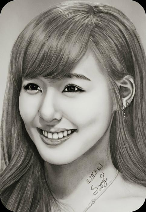 Tiffany Hwang by Sury